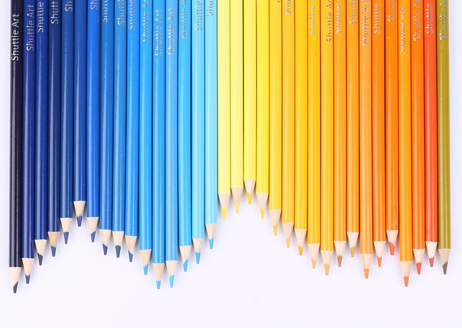Coloring pencils with a finely graduated range of colors